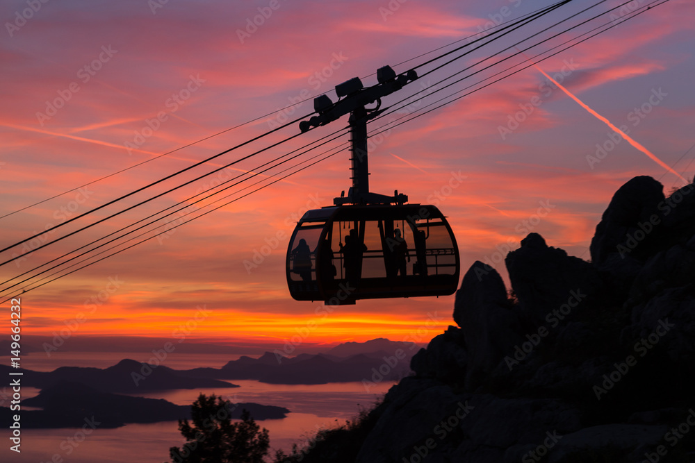 Fototapety, obrazy: Silhouette of the Dubrovnik cable car