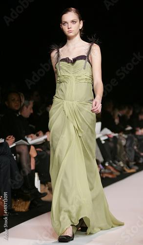 f09dd31db943 A model walks the runway during the Vera Wang Fall 2006 show at New York  Fashion