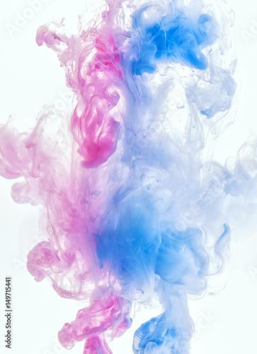 chmura-atramentu-w-wodzie-koncepcyjne-tlo