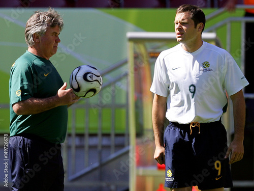 Australias World Cup Soccer Team Captain Viduka Talks With Coach Hiddink During A Training Session In