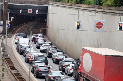 Tunnelsperrung im Berufsverkehr
