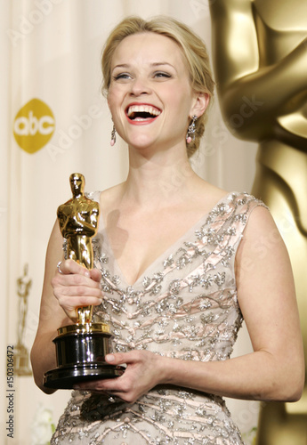 Best Actress Winner Reese Witherspoon Poses With Her Oscar At The 78th Annual Academy Awards In
