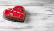 Erdbeerkuchen in Herzform für Valentinstag oder Muttertag