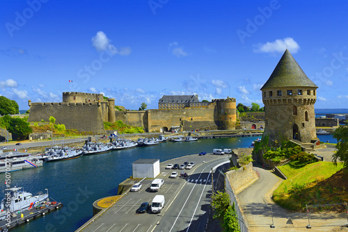Foto op Aluminium Vestingwerk Tour Tanguy and Old castle of city Brest, Finistere, Brittany
