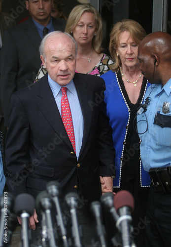 Enron founder Ken Lay exit court after guilty verdict in