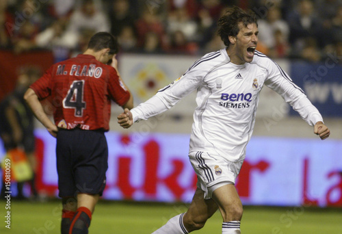 d56c6b31951 Real Madrid s Ruud Van Nistelrooy celebrates his second goal against Osasuna  during their Spanish First Division