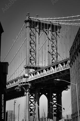 Brooklyn bridge in New York in black and white - 151074438
