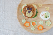 Bear And Bumble Bee Lunch Plat...