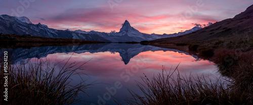 Fotobehang Bergen Sonnenuntergang über dem Matterhorn, Zermatt, Schweiz