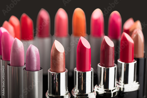Colorful Lipstick In A Circle Tableau sur Toile