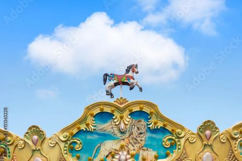 Zdjęcie XXL antyczne namioty konie carousel w parku rozrywki