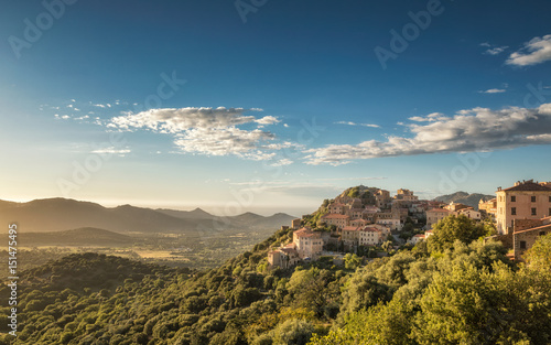 Village of Belgodere in Corsica lit by late afternoon sun Canvas-taulu