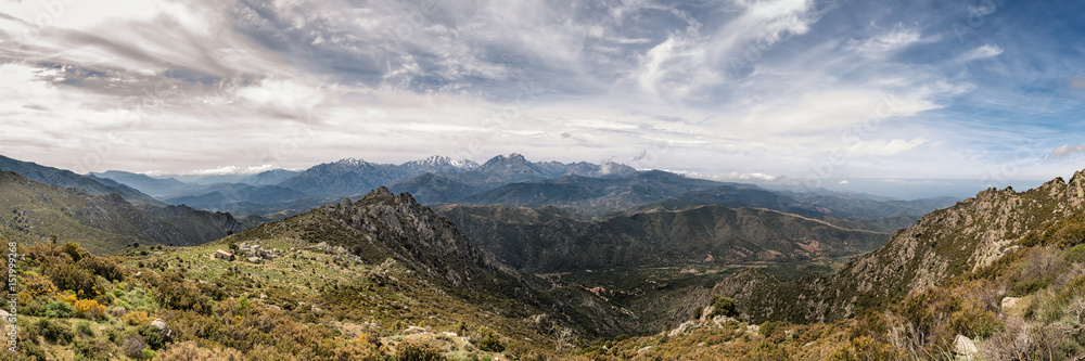 Fotografija  Dramatic panoramic view of snow capped mountains of northern Corsica