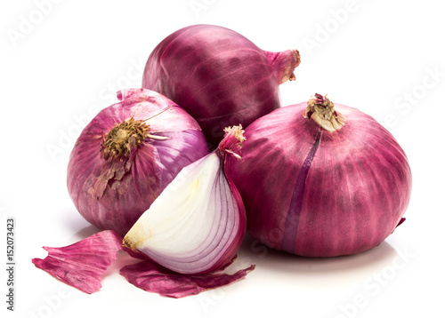 Leinwand Poster The Fresh red onion sliced bulb and onion peel isolated on white background