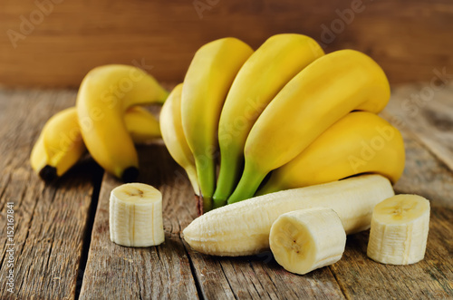 Valokuvatapetti Banana with slices