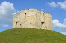 Clifford's Tower W Yorku England