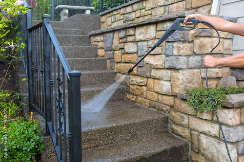 Fotografía Pressure Power Washing the Front Entrance Stair Steps