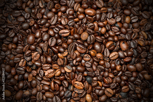 Deurstickers Koffiebonen Roasted Coffee Beans Background