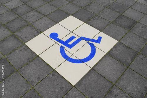 Fotografie, Obraz  障害者用駐車場 車椅子マーク