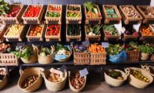 Fruits And Veggies Market
