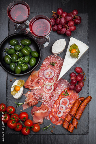 Papiers peints Entree Platter of antipasti and appetizers