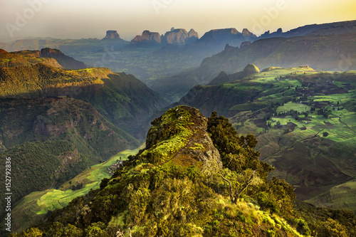 Foto auf Gartenposter Gebirge Ethiopia. Simien Mountains National Park. View point near Chenek Camp