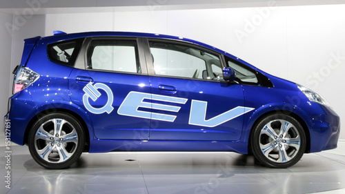 Honda S Fit Electric Concept Car Is Unveiled At The La Auto Show In