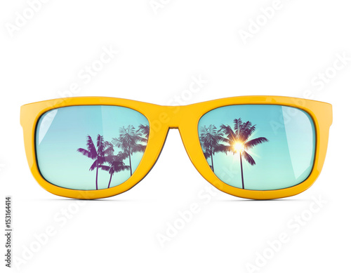 Summer sunglasses with tropical palm tree reflections. Fototapet