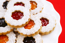 Jam Filled Christmas Linzer Co...