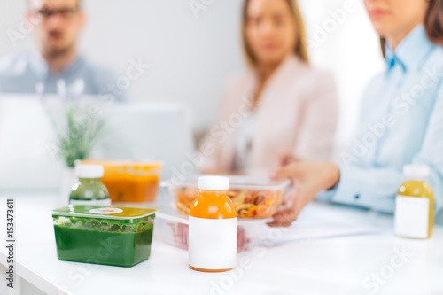Fotografía Work team having lunch break