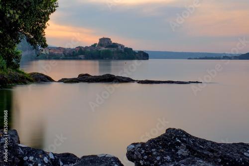 Valokuva  Capodimonte sul lago di Bolsena