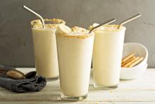 Banana And Cookies Milkshake