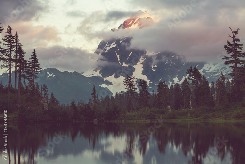 Türaufkleber Rosa dunkel Mt Shuksan