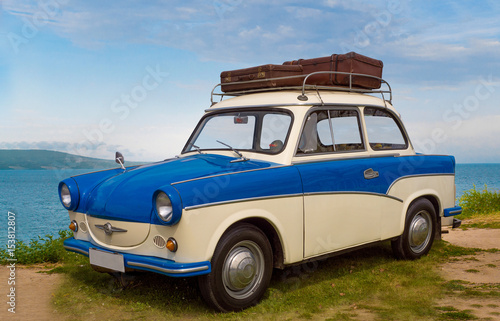 Valokuva  trabant oldtimer im urlaub am strand