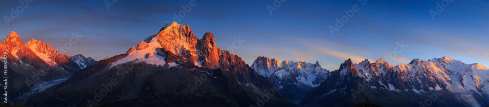 Fototapety, obrazy: Panorama of the Alps near Chamonix during sunset. Chamonix, France.