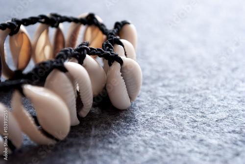 Fotografie, Obraz  Bracciale con delle conchiglie