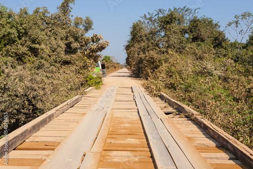 Fotografija  Wooden bridge along Transpantaneira road, Brazil
