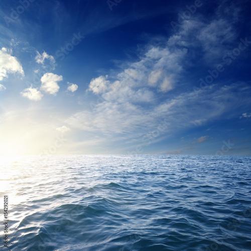 Foto op Plexiglas Zee / Oceaan Blue sea and sun