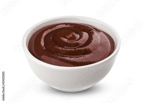 Photo sur Toile Grill, Barbecue Grill sauce in bowl isolated on white background