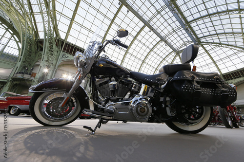 A Harley-Davidson motorcycle blessed with the signature of Pope Emeritus Benedic Fotobehang