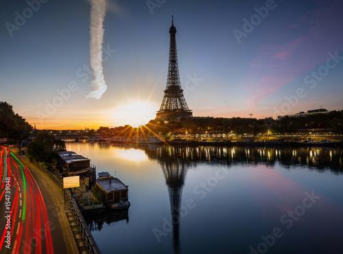 City on the water Tour Eiffel Paris