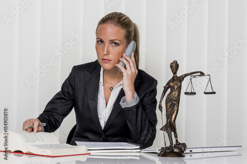 Photo  businesswoman in office