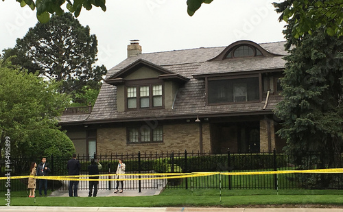 Fans Take Photos Of Warren Buffett S House In Omaha Nebraska Buy