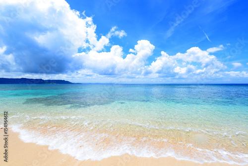 Fotobehang Strand 美しい沖縄のビーチと夏空