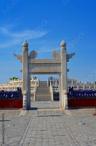 Foto op Aluminium Beijing Temple of Heaven, entrance to Circular altar of Yuanqiu in Beijing, China It is the religious complex where the Emperors pray to the Heaven for good harvest