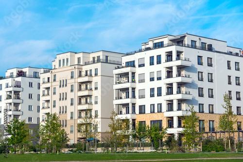 Zdjęcie XXL Obszar rozwoju z nowymi domami wielorodzinnymi w Berlinie, Niemcy
