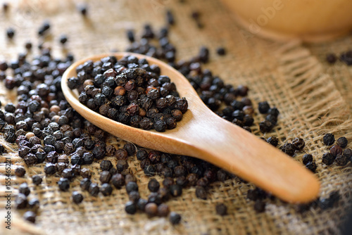 black-pepper-in-wood-spoon