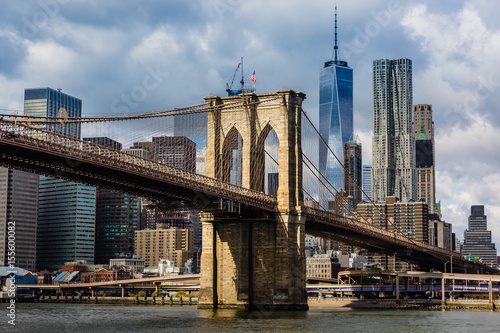 Spoed Fotobehang Brooklyn Bridge Brooklyn Bridge and Manhattan skyline
