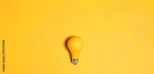 Cuadros en Lienzo Colored light bulb
