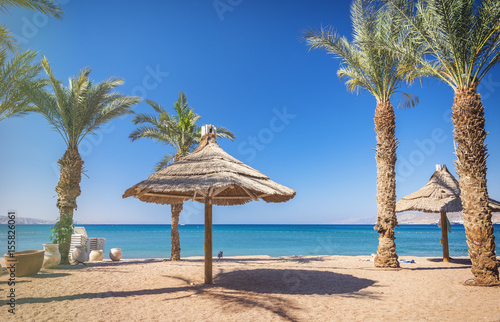 In de dag Egypte Sunny morning at central public beach of Eilat - number one resort and recreation city in Israel